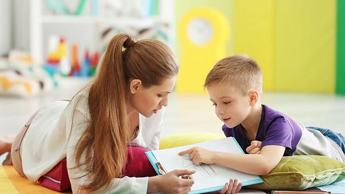 گفتاردرمانی اوتیسم